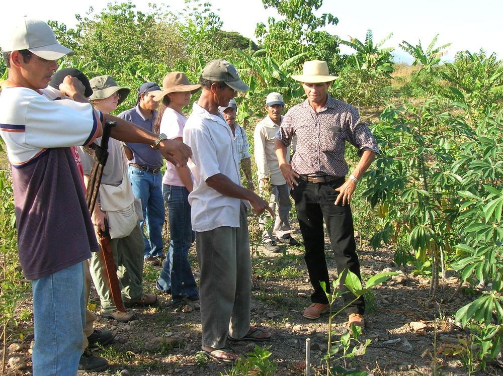 Armando training farmers